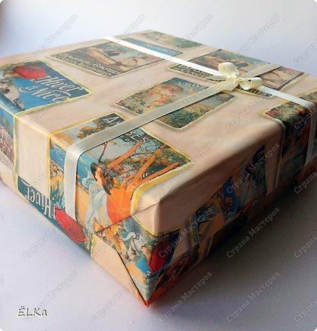 """Привет-привет! Я сегодня с семейным альбомчиком! Но перед этим не могу не похвастаться и поделиться с Вами счастливым событием!  Я заняла третье место в СП """"Lovely things"""" от ShabbyScrap http://shabby-scrap.blogspot.ru/2013/07/blog-post.html с альбомчиком об истории своей любви и семьи!!! Я очень-очень рада этому событию! Ура-а-а! Ну а теперь к делу... Альбом выполнен на заказ в подарок молодой семейной паре на ДР одного из супругов. Альбомчик хранится в подарочной коробке. Честно сказать, альбом дался мне тяжело. Отчасти оттого, что я ещё не выполняла альбома без фото, и отчасти оттого, что сроки были очень короткие, а разворотов много. И вот результат моих бессонных ночей... фото 1"""