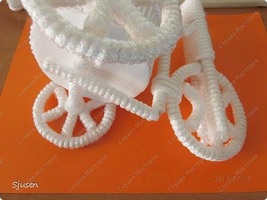 Доброго времени суток, милые мастерицы! Понадобилось мне сделать небольшой рукодельный презент на свадьбу - остановилась на велосипедике. фото 24