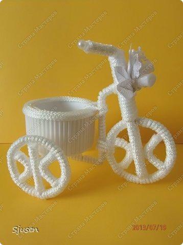 Доброго времени суток, милые мастерицы! Понадобилось мне сделать небольшой рукодельный презент на свадьбу - остановилась на велосипедике. фото 25