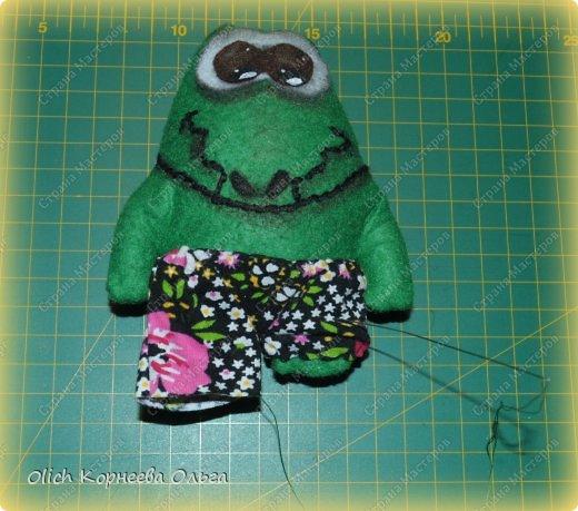 Здравствуйте. Сегодня будем шить забавного малыша крокодила с игрушками. фото 11