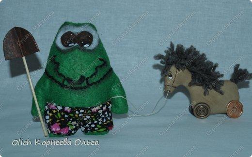 Здравствуйте. Сегодня будем шить забавного малыша крокодила с игрушками. фото 1
