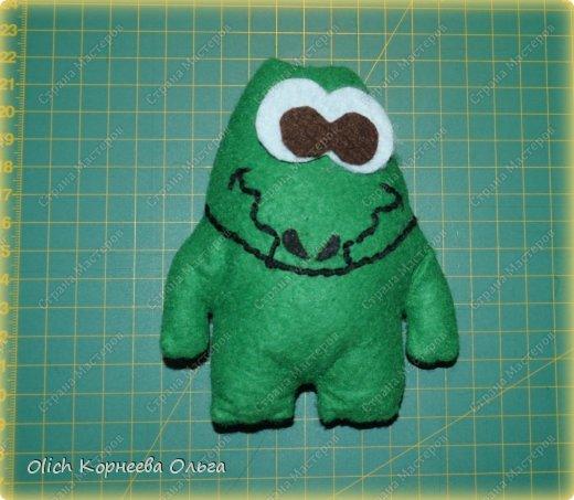 Здравствуйте. Сегодня будем шить забавного малыша крокодила с игрушками. фото 6