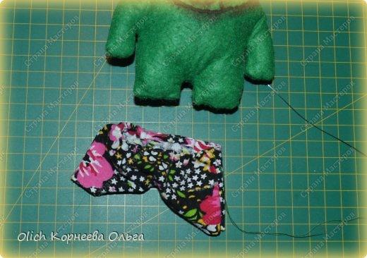 Здравствуйте. Сегодня будем шить забавного малыша крокодила с игрушками. фото 10