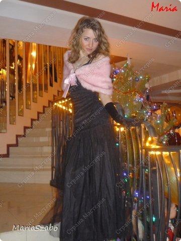 Платье было сшито специально на встречу Нового года. Платье из жаккарда, подол платья - мягкий фатин. Накидка сшита из искусственного меха, на подкладе из атласа. фото 3
