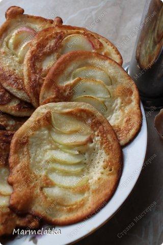 Кефирные оладушки с яблоком фото 1