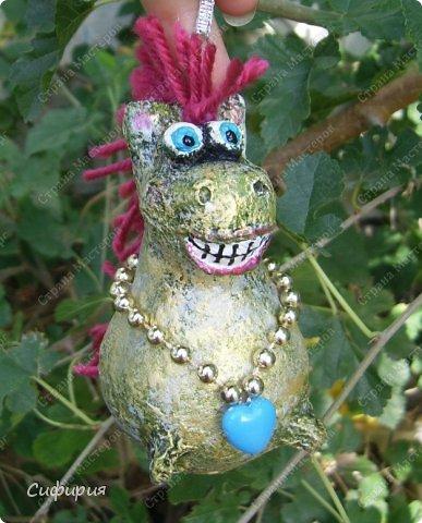 Игрушка Мастер-класс Новый год Папье-маше Лампочковый новогодний конь Бумага Клей Краска Пряжа Фольга фото 1