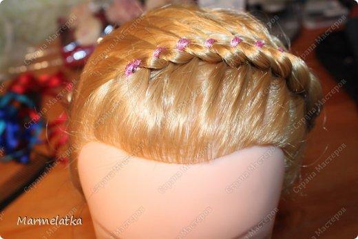 Варианты с лентой(коса из 4х прядей) фото 4