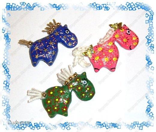 Мастер-класс Поделка изделие Новый год Лепка Гламурные лошадки магниты на холодильник Гуашь Тесто соленое фото 3