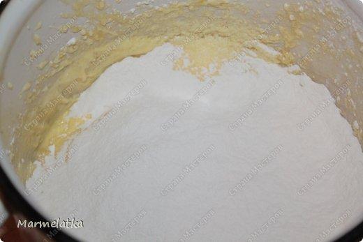 Кекс получается влажным, но при этом очень сочный и вкусный!! фото 7