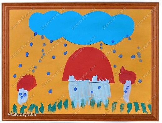 Очень рады, что вы заглянули посмотреть на творчество моего сына. Ему сейчас 3 года 9 месяцев.  Первую работу он делал на занятии в студии Раннего эстетического развития. Работа совмещает технику аппликации и рисования (кистью и ватной палочкой).Абсолютно самостоятельная работа. фото 1