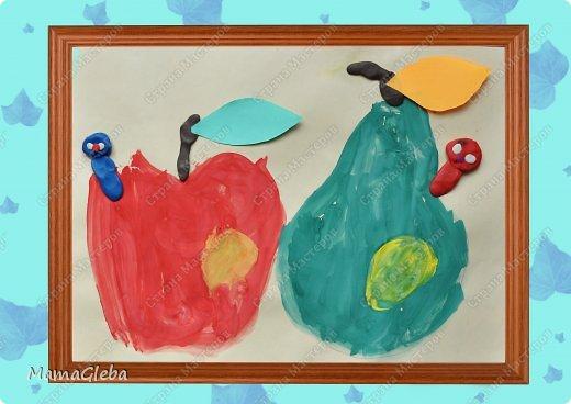 Очень рады, что вы заглянули посмотреть на творчество моего сына. Ему сейчас 3 года 9 месяцев.  Первую работу он делал на занятии в студии Раннего эстетического развития. Работа совмещает технику аппликации и рисования (кистью и ватной палочкой).Абсолютно самостоятельная работа. фото 5