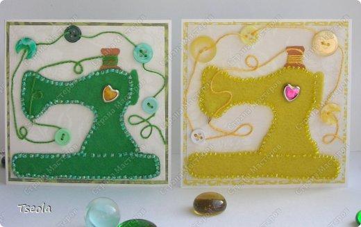 """Доброго времени суток! Люблю фетр за мягкость, теплоту, разнообразие цветов, податливость, универсальность. Из него можно не только игрушки шить, но использовать для открыток! Эту открытку-малютку делала по обмену на курсах СМ """"Уникальные открытки"""" для Анюты (Аняня). Основа - акварельная бумага, подложка - скрапбумага +пастель, лист клевера - фетр, обшит бисером. Размер 10х10 см. фото 3"""