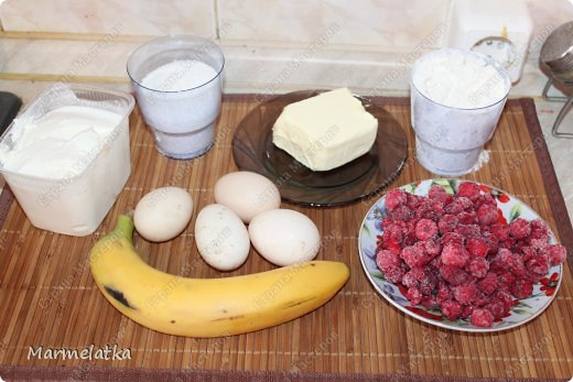 Ароматный песочный пирог с нежной сметанно-ягодно-фруктовой начинкой!!!Начинка может быть абсолютна любая, и вкус будет другой. Можно взять киви и банан, клубнику, вишню, смородину, ананасы, персики, да что угодно... фото 2