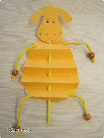 Хочу показать вам, дорогие мастера увлекательный процесс создания вот таких бумажных игрушек-гармошек: фото 17