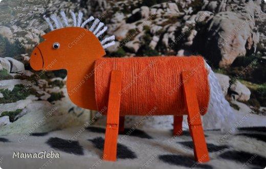 """Приветствую всех жителей СМ! Приближается новый 2014 год! Символом года будет лошадь. Вот её мы и решили сделать с сыном в виде игрушки на новогоднюю ёлку! Идею взяли в замечательном журнале """"Коллекция идей""""! фото 6"""