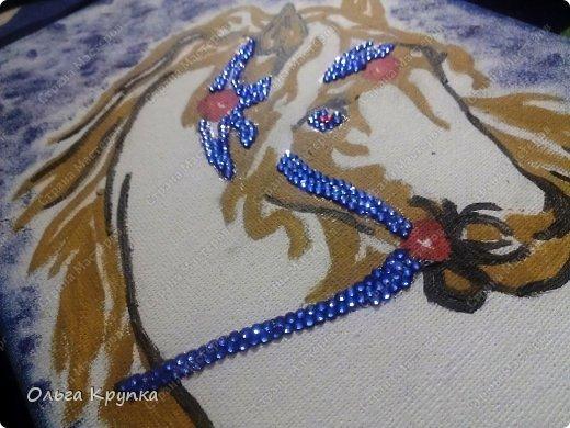 Картина панно рисунок Мастер-класс Новый год Аппликация Рисование и живопись МК инкрустированной картины Лошадка Скромняжка Краска Ткань фото 14