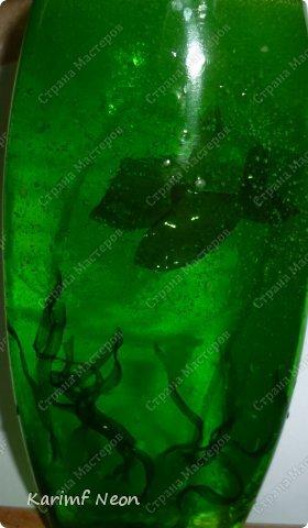 Увидел в магазине шампунь с прозрачной картинкой с рыбами внутри. Шампунь был совсем дешевый и я покупать не стал. Идея понравилась. Вот решил сделать уже не картинку, а объемные фигурки.  фото 1