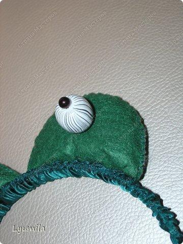 Добрый день! Сегодня у Лидочки в клубе Дед Мороз поздравлял детей и был праздник. Я сделала для неё (Лидочка помогала) костюм лягушки, который состоит из платья туту, (которое шьётся БЕЗ швейной машинки) и ободка с глазками. Далее фото с праздника фото 21