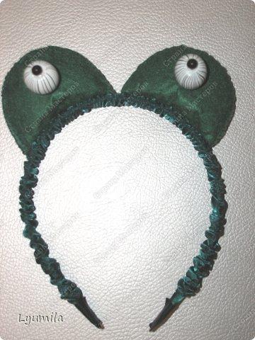 Добрый день! Сегодня у Лидочки в клубе Дед Мороз поздравлял детей и был праздник. Я сделала для неё (Лидочка помогала) костюм лягушки, который состоит из платья туту, (которое шьётся БЕЗ швейной машинки) и ободка с глазками. Далее фото с праздника фото 22