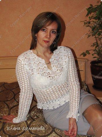 У моей сестры золотые руки,вяжет спицами и крючком обалденные вещи. В последнее время подсела на ирландское кружево. навязала себе топов,кофточек и платьев. фото 15