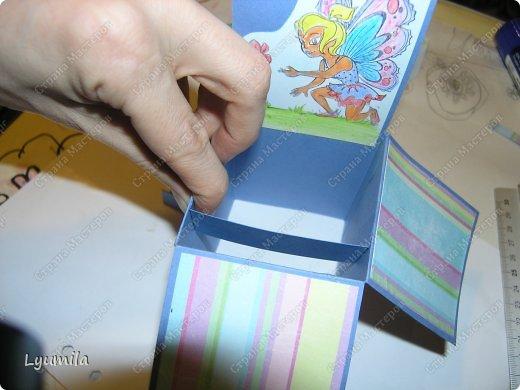 Добрый день! Мы с Лидочкой (моей дочерью 4,5 лет) продолжаем скрапить, вернее занимаемся кардмейкингом, т.е. делаем открытки. Скоро праздник и я в поисках вдохновения просматривала галереи открыток и натолкнулась вот на такие открытки. Они сделаны в технике pop-up, т.е. могут складываться и раскладываться, имеют несколько слоев. фото 23