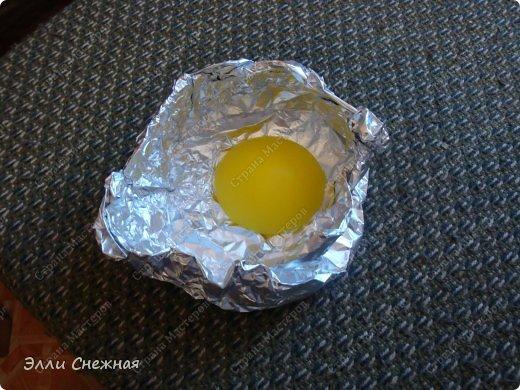 Вот наконец то сподобилась выложить МК, как сделать такой аппетитный завтрак, используя только подручные средства. Ингридиенты: мыльная основа без лаурил сульфата, красители - желтый, оранжевый, красный, базовое масло, облепиховое масло, отдушка - топленое молоко. Инструменты: любые подручные емкости полукруглой и прямоугольной формы, шприц, крышки от баночек и флакончиков, фольга. фото 10