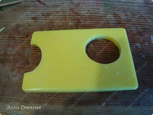 Вот наконец то сподобилась выложить МК, как сделать такой аппетитный завтрак, используя только подручные средства. Ингридиенты: мыльная основа без лаурил сульфата, красители - желтый, оранжевый, красный, базовое масло, облепиховое масло, отдушка - топленое молоко. Инструменты: любые подручные емкости полукруглой и прямоугольной формы, шприц, крышки от баночек и флакончиков, фольга. фото 18