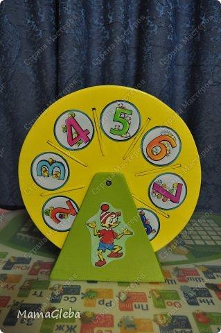 Попросили в детский сад сделать что-то для хранения карточек с дидактическими играми, но просто коробочка не устраивала.Нужно, чтобы двигалось, открывалось и т.д. Мы с мужем изломали головы. И вот, что получилось в результате нескольких дней  (вечеров) работы. фото 3