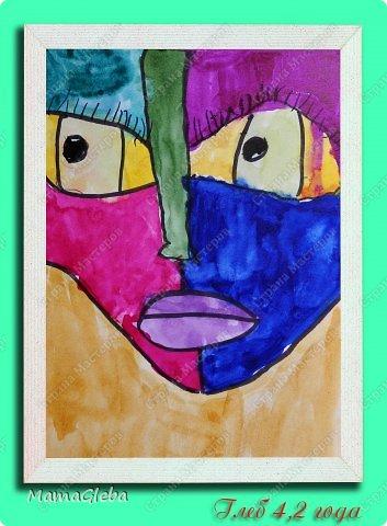 Сегодня с сыном мы рисовали вот такой портрет. Думала, он не очень заинтересуется, однако наоборот, с большим энтузиазмом взялся и довёл до конца работу. Сначала мы выполнили рисунок простым карандашом на листе формата А5, потом раскрасили акварелью.  Цвета предлагала выбрать самому,но он за мной повторюшничал немного.