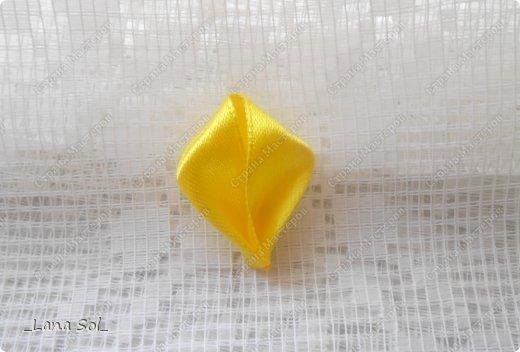 Мастер-класс Украшение Цумами Канзаши МК лепесточка и вариант его применения Ленты фото 9