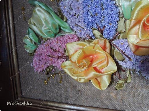 Привет всем! А вот и я с новой вышивкой лентами!!! Это сирень, тюльпаны и жёлтые розы - предвестники весны в моём доме:) Работа выполнена на мешковине - уж очень нравится мне этот материал для вышивки лентами. фото 7