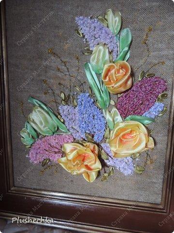 Привет всем! А вот и я с новой вышивкой лентами!!! Это сирень, тюльпаны и жёлтые розы - предвестники весны в моём доме:) Работа выполнена на мешковине - уж очень нравится мне этот материал для вышивки лентами. фото 8