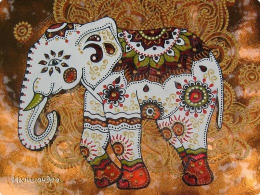 """Увлечение лепкой слонов из солёного теста https://stranamasterov.ru/node/625774 постепенно перешло в серию витражных картин, кои сейчас я и хочу Вам представить, дорогие друзья! Витражное панно """"Добрый слон"""" 22,5 * 22,5 см. фото 2"""
