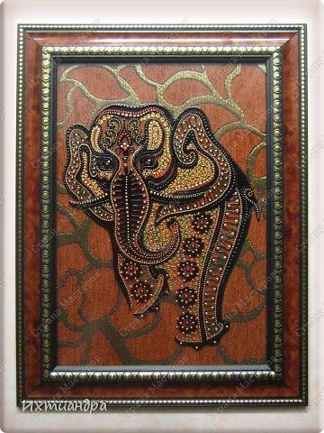 """Увлечение лепкой слонов из солёного теста https://stranamasterov.ru/node/625774 постепенно перешло в серию витражных картин, кои сейчас я и хочу Вам представить, дорогие друзья! Витражное панно """"Добрый слон"""" 22,5 * 22,5 см. фото 10"""