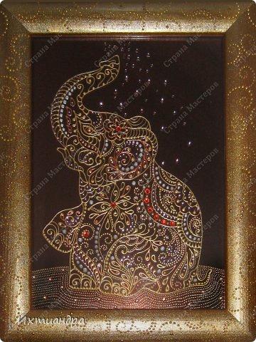 """Увлечение лепкой слонов из солёного теста https://stranamasterov.ru/node/625774 постепенно перешло в серию витражных картин, кои сейчас я и хочу Вам представить, дорогие друзья! Витражное панно """"Добрый слон"""" 22,5 * 22,5 см. фото 7"""