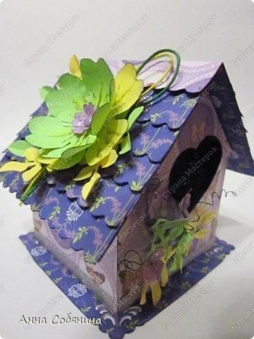 Мастер-класс к Пасхе! Пасхальный домик из бумаги. У домика открывается крыша, внутрь можно положить яйцо или любой другой подарок.  А теперь давайте научимся делать такой сувенир сами! фото 13