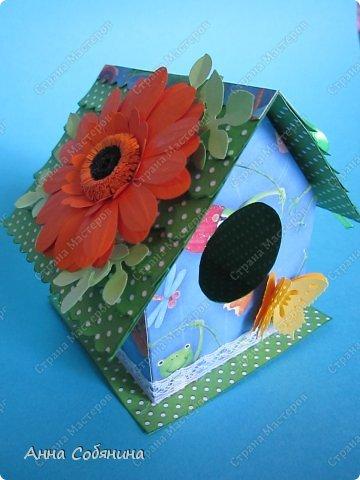 Мастер-класс к Пасхе! Пасхальный домик из бумаги. У домика открывается крыша, внутрь можно положить яйцо или любой другой подарок.  А теперь давайте научимся делать такой сувенир сами! фото 10