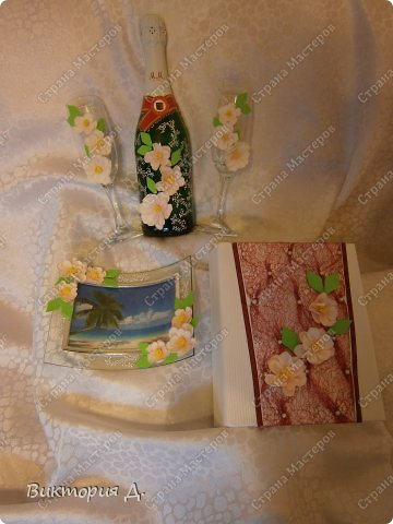 """Всем добрый день! Вот выставляю последние работы - увидела y Саровочки чашечку с фламинго и заболела """"птичками"""". С этими сидела долго - на птичках 100 пёрышков - замучилась их лепить. Как результат - оценить вам, но что уникат - тут сомнений нет;) фото 4"""