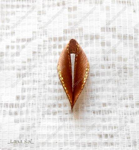 Мастер-класс Украшение Цумами Канзаши МК цветов и лепестка Молочный шоколад Ленты фото 12