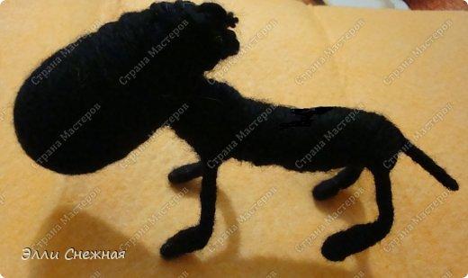 На изготовление различных зверюшек-игрушек меня вдохновили чудесные работы Сергея Федосеева. Он делает крохотных забавных зверюшек из бутылочных пробок. Мои игрушки значительно больше по размеру и технология их изготовления слегка отличается. Итак сегодня я покажу как сделать такую забавную овечку. фото 12