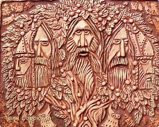 """Ну вот, слепилось у меня ещё одно настенное панно в кельтском стиле. Это оберег друидов или """"Дерево друидов"""". Рисунок не мой, нашла в каких-то раскрасках, немного его доработала, добавила в солнце символ бесконечной жизни и ещё разные мелочи. Лепила под резьбу по дереву. фото 6"""