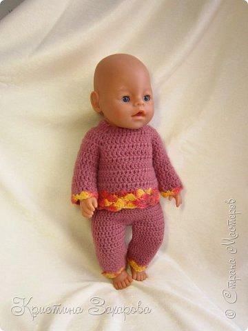 Добрый день всем жителям страны мастеров! Наконец-то я добралась сфотографировать наряды, которые я связала уже давно для любимой куклы дочи, для нашей Маши.  фото 2