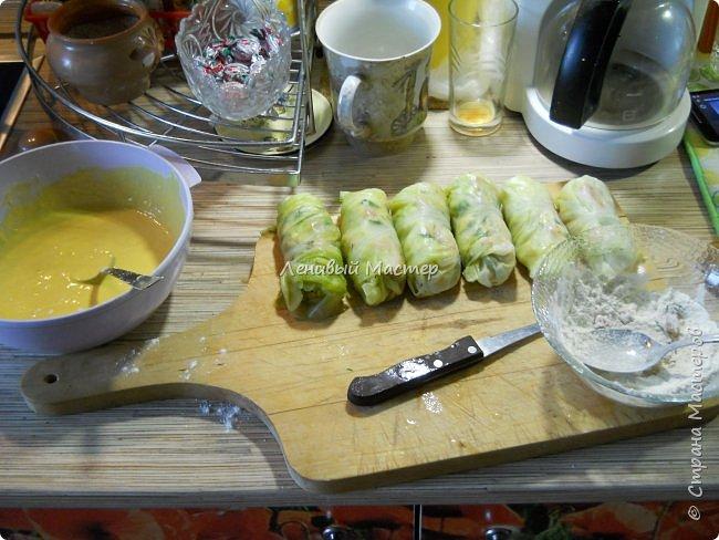 Рецепт увидел в  передаче «Небанальная кухня Павлова» на канале «Еда», кстати интересный такой дядька Павлов, много необычного и простого в готовке. И чего то захотелось их приготовить. Вряд ли буду делать это часто, потому как делается долго и нудно. Не то чтобы я большой мастер готовки, но иногда кое что получается в плане вторых блюд и салатов. Супы как то не моё наверно. Варю когда мои в отпуск уезжают, но по сравнению с тем, как готовит супруга, планка у меня пониже, щи пожиже))  Ну что же начнём пожалуй. Если есть такой МК на сайте, я его не дублирую, а просто хвастаюсь, тем, что умею немного готовить. :-))) Как вы заметили это не МК. Потому как мне не понятно, как можно найти где то рецепт, дать на него ссылку и сляпать из этого свой МАСТЕР КЛАСС. Это тоже самое, если бы я в своих видео рассказывал вам, что все эти программы я сам лично написал. Нонсенс. Ладно, мы же не про это, приступим. Предупреждаю, фото некоторых нет, потому никак мне одной рукой было фотать, да и в кляре тоже руки побывали. Так что друзья мои, воображение и ещё раз воображение.   фото 9