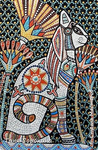 Вновь захотелось порисовать точками...вспомнила одну из своих любимых тем, основной рисунок кошки нашла в инете, но он был просто в чертеже...переделала его под себя, цветовая гамма тоже моя. Пёстренько, но в цветах древнего Египта. Богиня-кошка Баст. фото 5