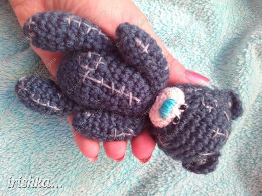 Вот такого мишку я сегодня связала)) Такой маленький хорошенький уютный милый комочек, что не хочется отпускать его с рук))) фото 8