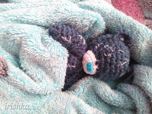 Вот такого мишку я сегодня связала)) Такой маленький хорошенький уютный милый комочек, что не хочется отпускать его с рук))) фото 6