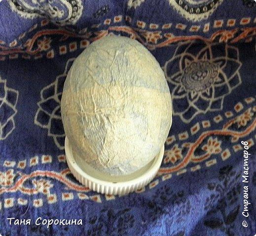 Добрый день, мои дорогие друзья! Не знаю, украшал ли кто-нибудь яйца, как это делаю я, в интернете ничего похожего не нашла, потому делаю мастер-класс по ещё одному виду украшения пасхальных яиц. На первом фото корзинка из бумажной лозы, подаренная мне чудесной мастерицей Олечкой (Оль Ха), у меня так и не хватает времени освоить эту чудесную технику. фото 2