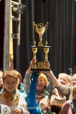 Дорогие друзья!!! Спешим поделиться потрясающей новостью!!! Страна Мастеров впервые приняла участие в большом Международном фестивале. На фестиваль приехало около 1500 человек. Конкурс проходил в различных номинациях: вокал, хореография, исполнительской и театральное мастерство, изобразительное и декоративно-прикладное искусство. В каждой номинации были свои победители. И по традиции, в завершении фестиваля, выбирается один победитель среди всех номинаций. И им стала СТРАНА МАСТЕРОВ! Ура!!!!! фото 3