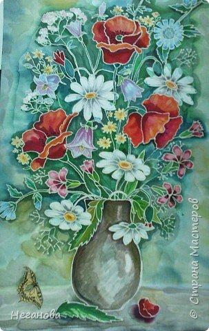 Милым женщинам-цветы!