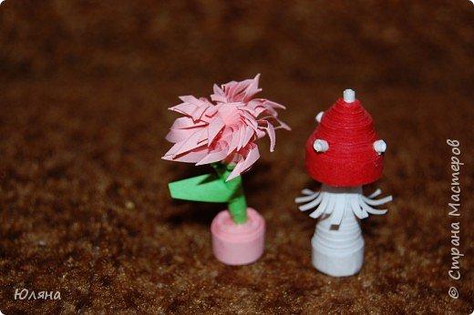 Квиллинг: Цветочек и грибочек.